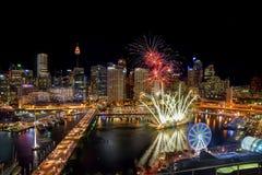 悉尼,澳大利亚- 2016年11月12日:在亲爱的Har的烟花 免版税库存图片