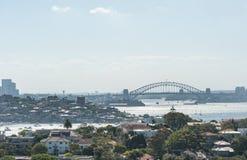 悉尼,澳大利亚- 2014年11月18日:悉尼港口和歌剧院 都市风景 亲爱的点,点吹笛者,港口桥梁, 库存图片