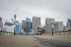 悉尼,澳大利亚- 2014年11月10日:没有人的达令港桥梁 澳洲悉尼 长的曝光照片写真 免版税库存图片