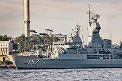 悉尼,澳大利亚- 10月5日 2013年:在澳大利亚海军百年庆祝的军舰 库存图片