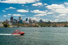 悉尼水出租汽车小船 免版税图库摄影