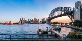 悉尼从杰费街码头的港口全景 库存照片