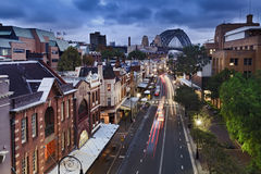 悉尼从顶面日落的岩石桥梁 免版税库存照片