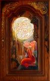 悔悟 作梦在幻想凯尔特人环境里的美丽的女孩画象 在不列塔尼的橡木的油画 库存图片