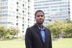 悦目年轻非裔美国人的商人画象  免版税库存照片