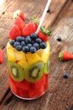 您的健康饮食或素食主义者食物概念的新鲜水果 免版税库存照片