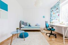您的孩子的宽敞的房间 免版税库存照片