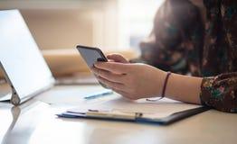 您的客户等待收到你的来信 免版税库存图片
