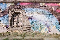 您的文本的空白的背景 一条难看的东西老街道的纹理在门面墙壁上的有破裂的油漆的 图库摄影