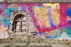 您的文本的空白的背景 一条难看的东西老街道的纹理在门面墙壁上的有破裂的油漆的 库存照片