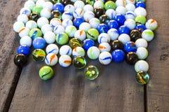 您要不要播放大理石?五颜六色的五颜六色的大理石、大理石和大理石绘画,美好的大理石绘画 免版税库存照片