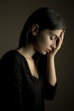 """悲伤†""""压下了青少年的女孩 免版税库存图片"""
