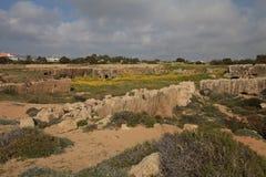 悲怆的国王的坟茔的废墟的看法 塞浦路斯 库存图片