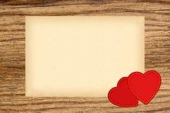 情人节与与白纸的布料心脏 免版税库存照片