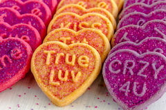 情人节心脏糖果和曲奇饼 库存图片