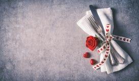 情人节桌餐位餐具 库存图片