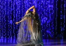 情感大气美女舞蹈 库存照片