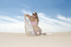 情感现有量她倾吐的沙子妇女 库存图片