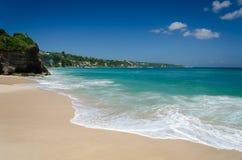 惊人和美丽的理想国海滩巴厘岛 免版税库存图片