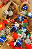 惊人的圣诞节背景,五颜六色的Xmas材料 免版税库存图片