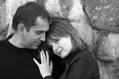 惊人的夫妇纵向 免版税库存照片