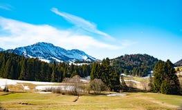 惊人的山风景在巴伐利亚 库存照片