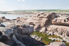 惊人的岩石 免版税库存照片