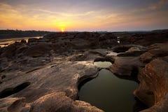 惊人的岩石sampanbok泰国 免版税库存照片