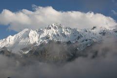 惊人的峰顶雪 库存照片