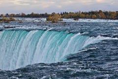 惊人的强有力的尼亚加拉瀑布美丽的明信片  库存照片