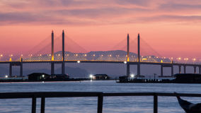 惊人的日出和日落在槟榔岛桥梁 库存照片