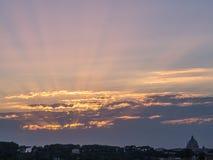 惊人的日落在罗马 图库摄影