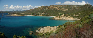 惊人的海滩全景perdalonga撒丁岛 免版税库存照片