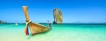 惊人的海滩风景在泰国 免版税库存照片