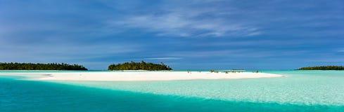惊人的热带盐水湖和异乎寻常的海岛太平洋的 库存图片