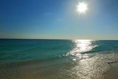 惊人的秀丽加勒比海海滩 阿鲁巴海岛 免版税库存图片