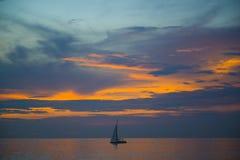 惊人的美好的日落在泰国湾 库存图片