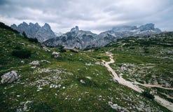 惊人的观点的Tre Cime di Lavaredo 免版税库存照片