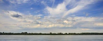 惊人的cloudscape和蓝天 免版税图库摄影