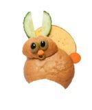 惊奇的野兔由面包和乳酪制成在白色背景 库存图片