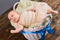 惊奇的婴儿男孩 免版税图库摄影