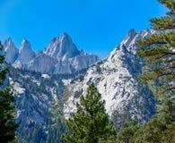 惠特尼山脉景色 免版税库存图片