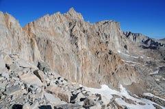 惠特尼峰和山脉冠 库存照片