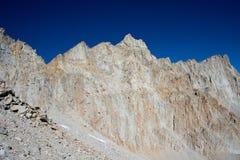 惠特尼峰在高山脉山 库存照片