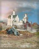 幻想城堡在黎明 免版税库存照片