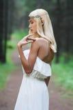 幻想少妇在森林 免版税库存照片