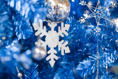 幻想蓝色闪烁圣诞节新年好 库存照片