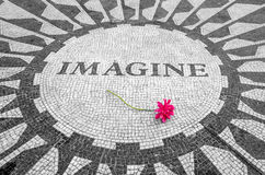 想象签到纽约中央公园,约翰・列侬纪念品 免版税库存图片