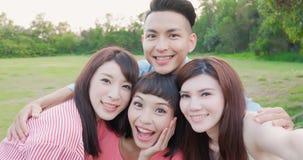 愉快人selfie 免版税图库摄影