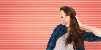 愉快微笑相当十几岁的女孩 库存照片